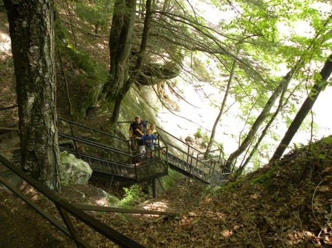 steps-to-eagle-falls
