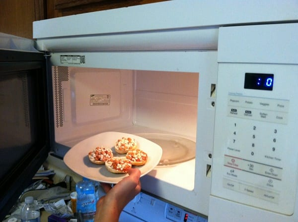how to cook bagel bites in microwave