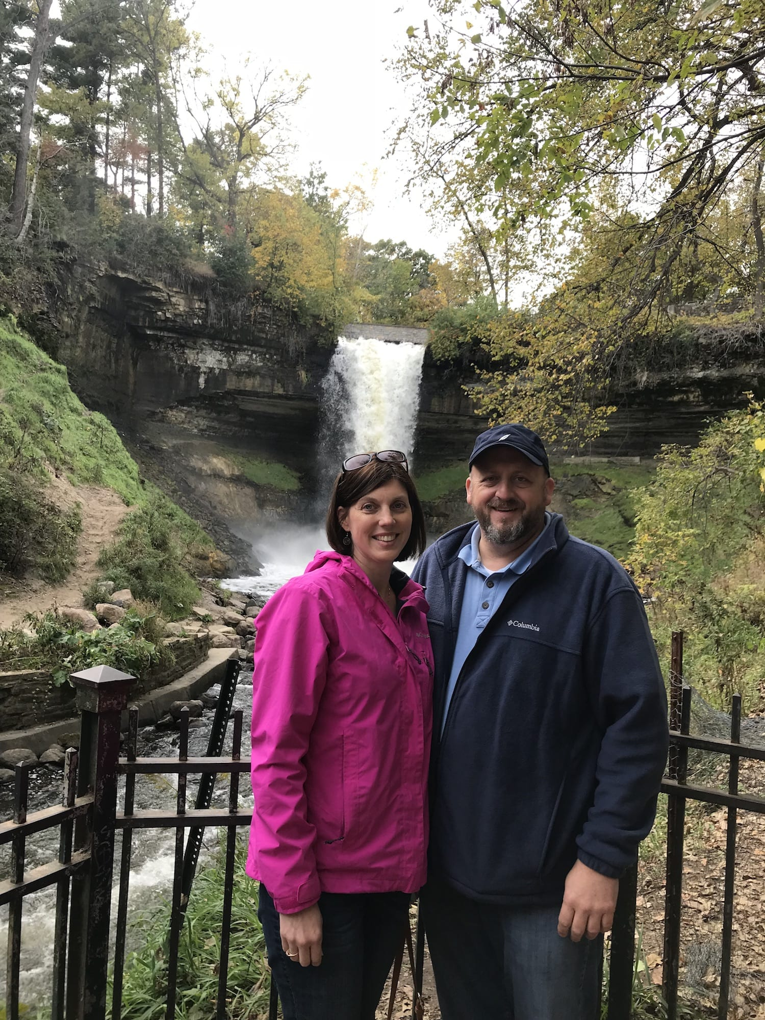 Family pictures at Minnehaha Falls in Minneapolis Minnesota