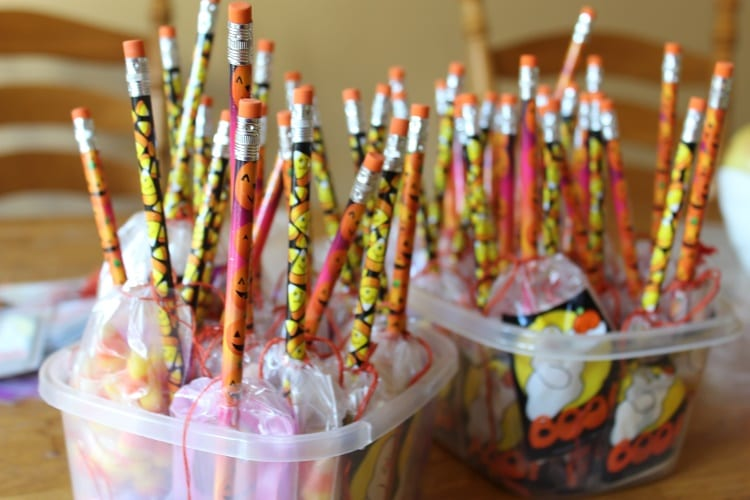other ideas for treat bags - Kids Halloween Treat Bags