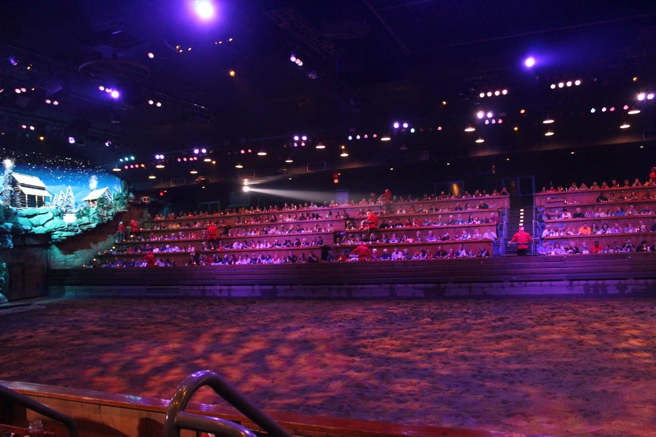 Dixie Stampede Pigeon Forge Tennessee - Christmas Show