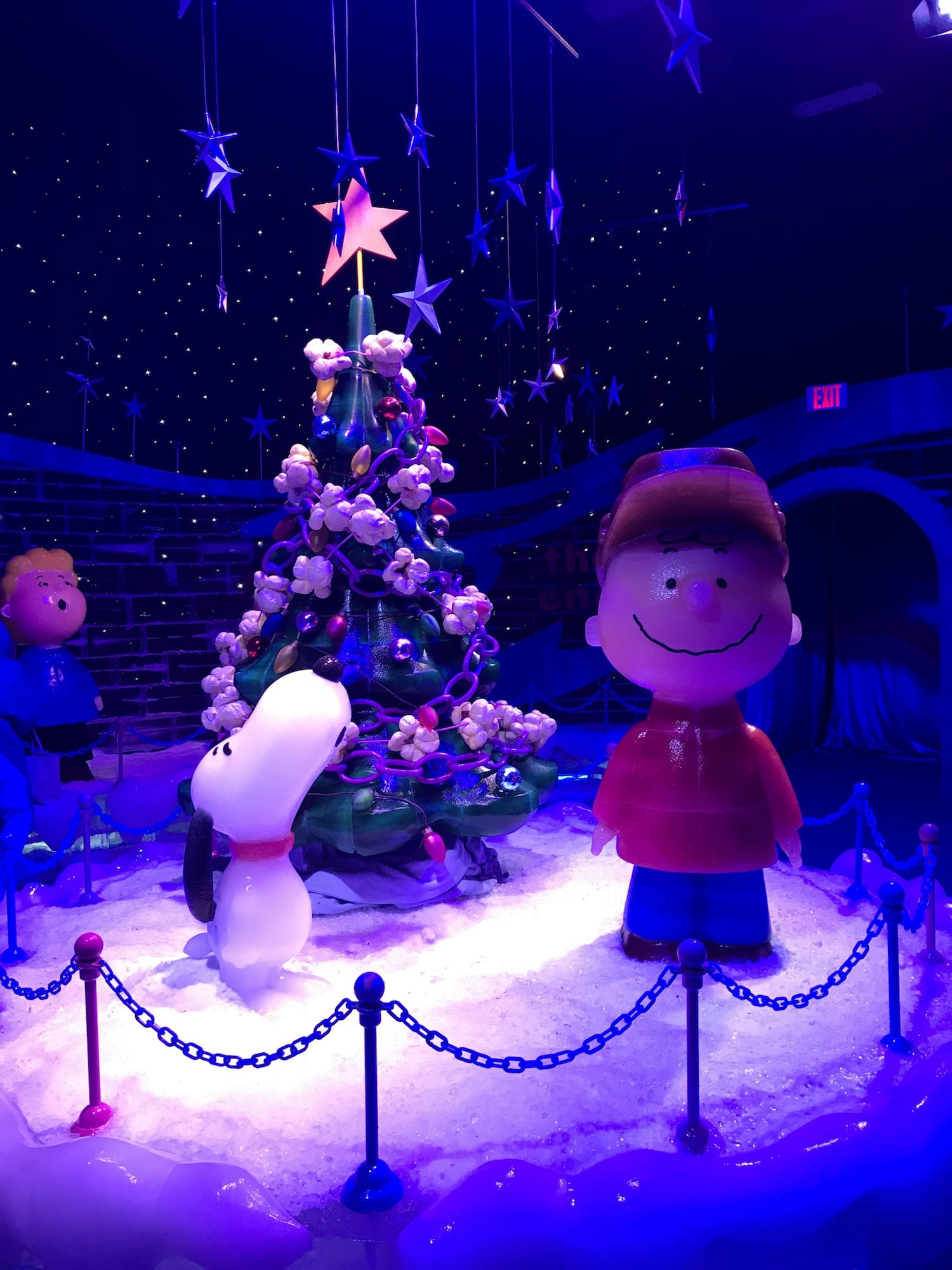 ICE! Charlie Brown Christmas at Gaylord Opryland