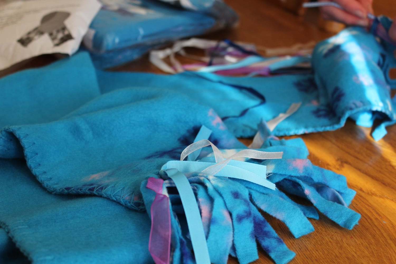 donate scarves to children this winter