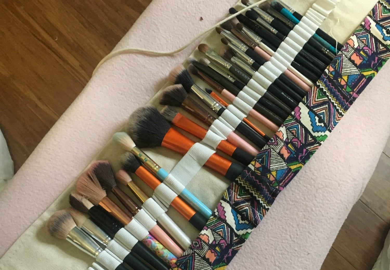 make up brush organizer
