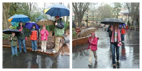 Dollywood Christmas in the rain