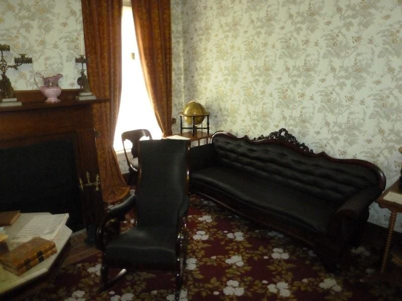 Couch where President Lincoln accepted the presidency