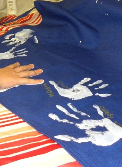 DIY-handprint-apron-craft