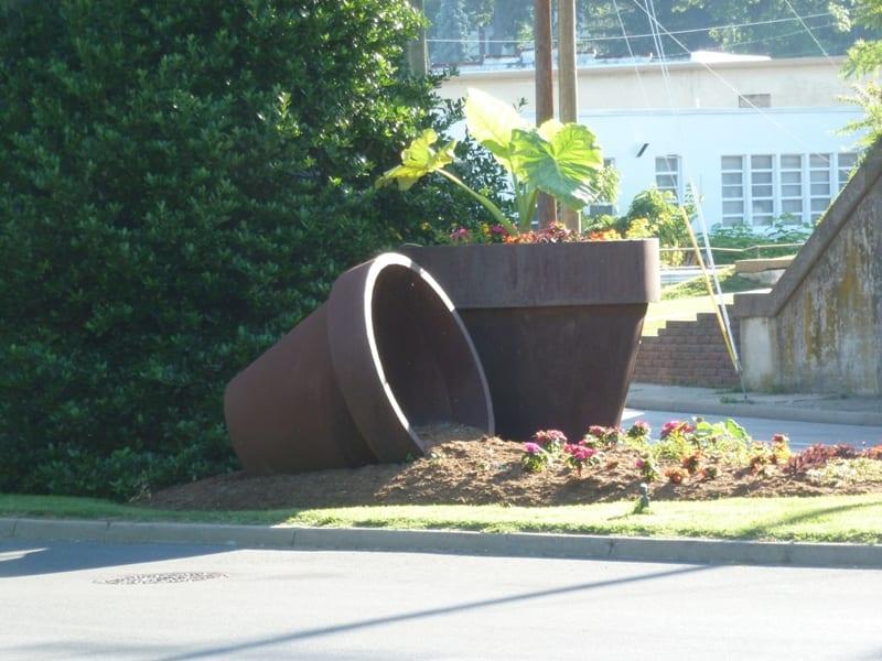 Flowerpot - Staunton, VA - Roadside Attractions