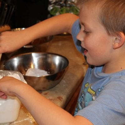 7 Lessons Kids Learn in the Kitchen