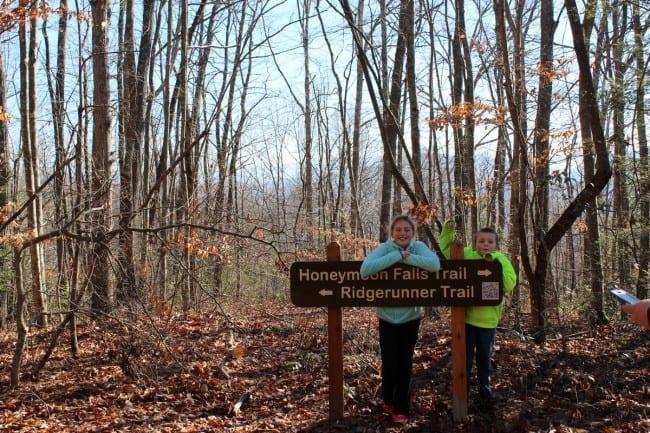 honeymoon-falls-trail