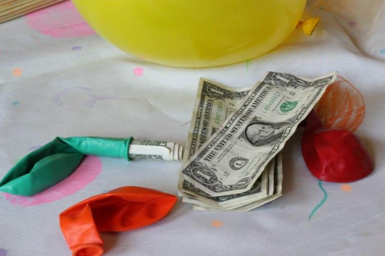 balloon-and-money