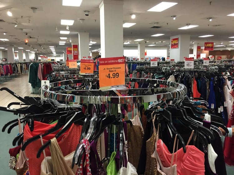 Save On Clothes At Dillards Clearance Outlet Hobbies On A Budget