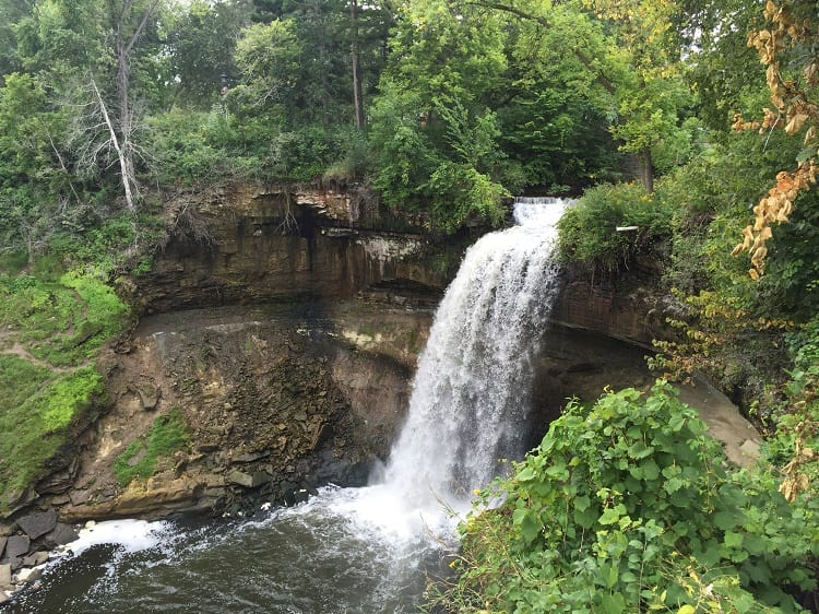 minnehaha-falls-minneapolis-minnesota