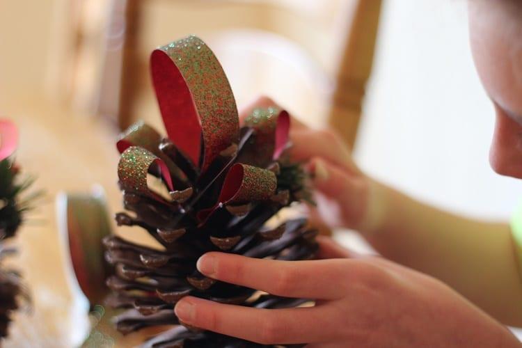 pinecones ribbon 3