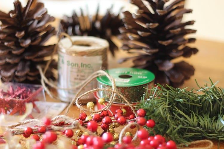 christmas-pinecone-ornaments