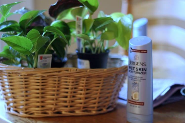 basket building with moisturizer