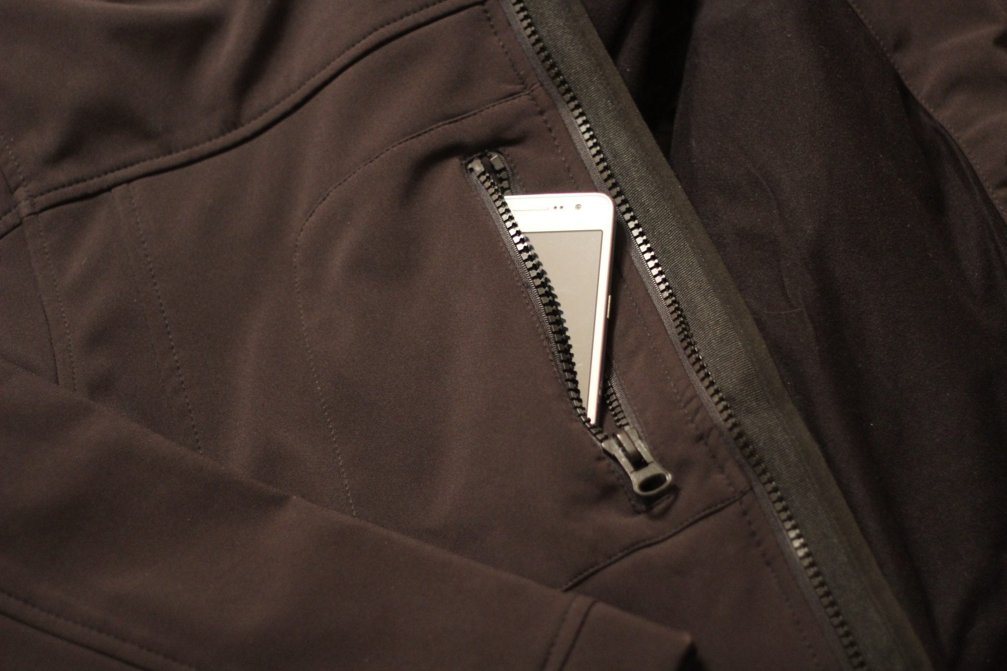 Refigiwear-softshell-jacket