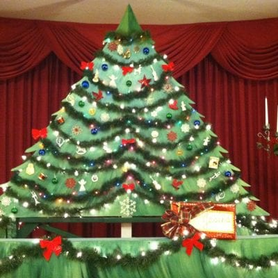 How to Build a Puppet Christmas Tree Stage