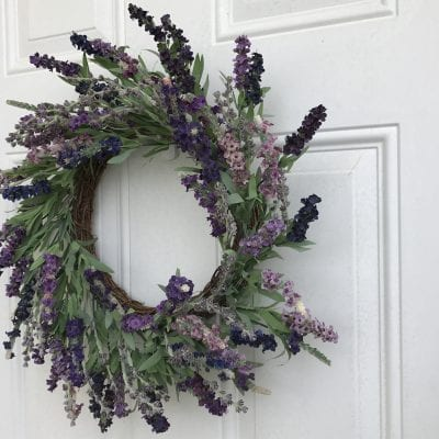 How to Choose a New Door Wreath