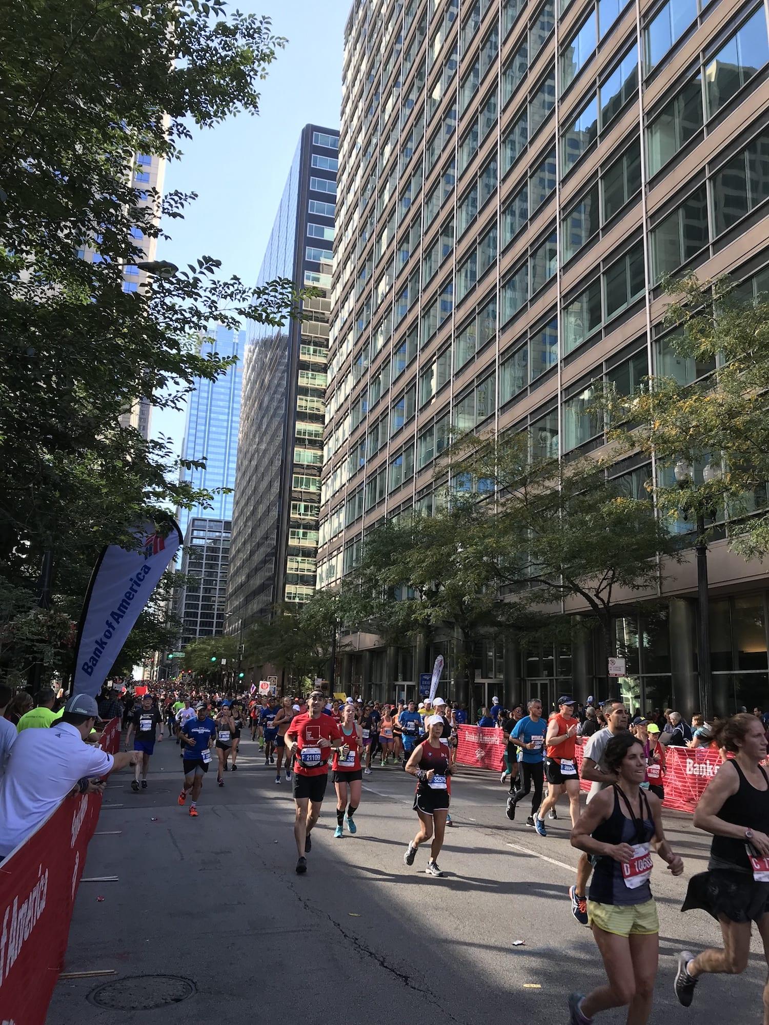 Runners in the Chicago Marathon