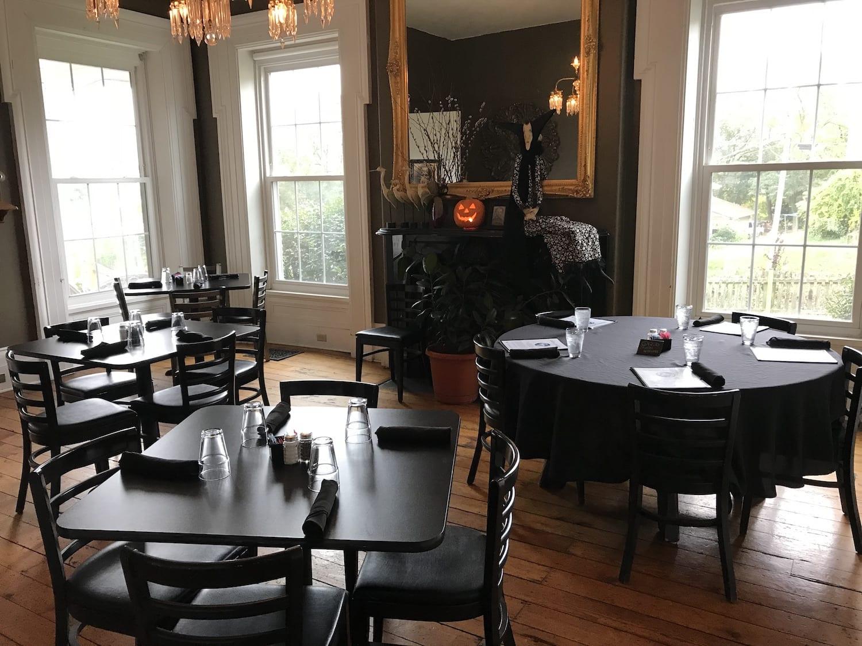 Crane & Pelican Cafe LeClaire Iowa