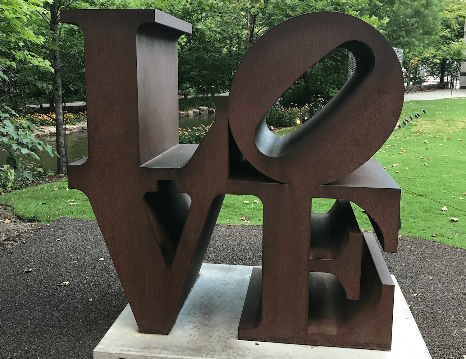 LOVe Sculpture - Crystal Bridges Museum of Art - Arkansas