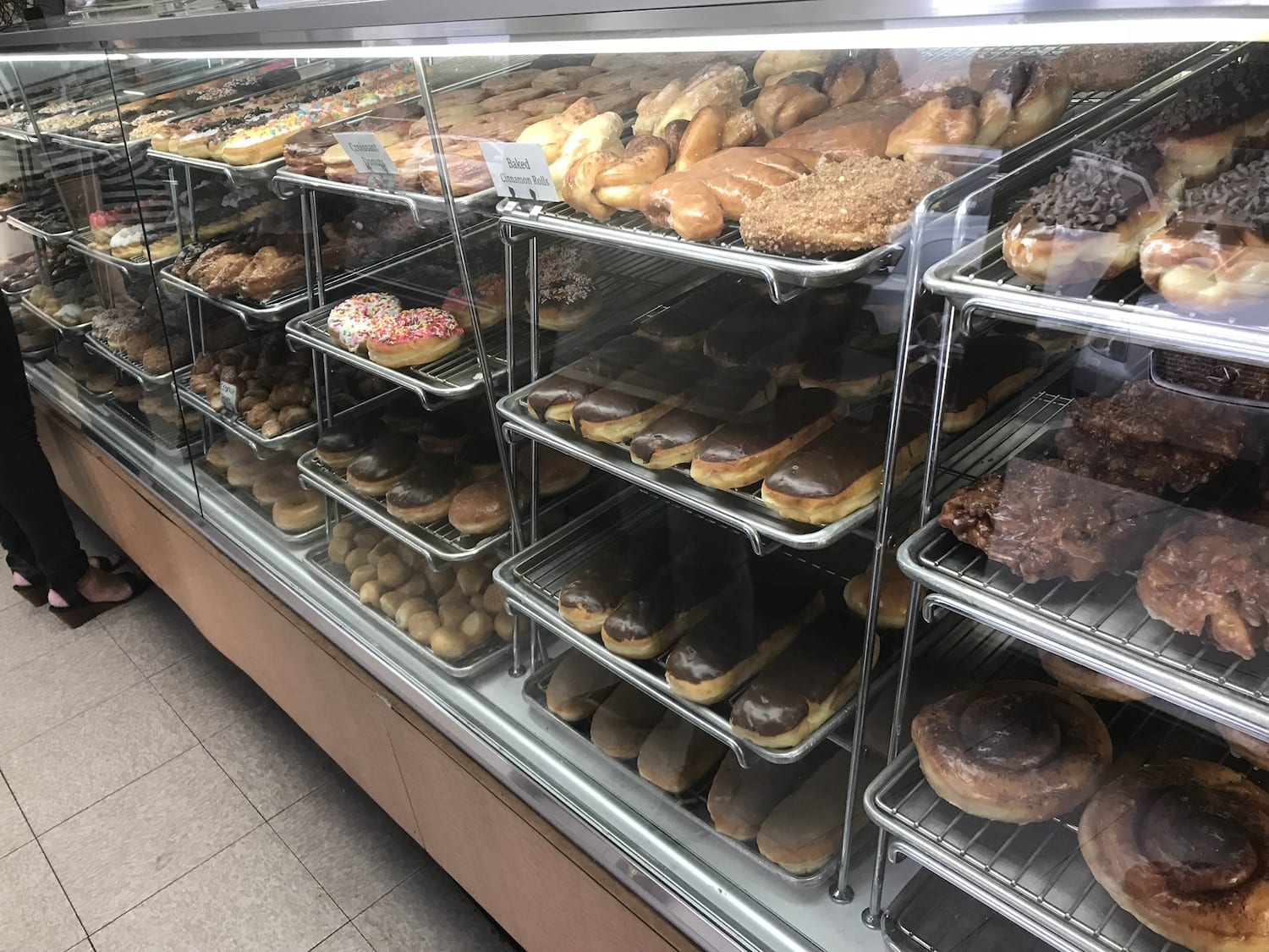 donuts at Fosters Donuts Thousand Oaks