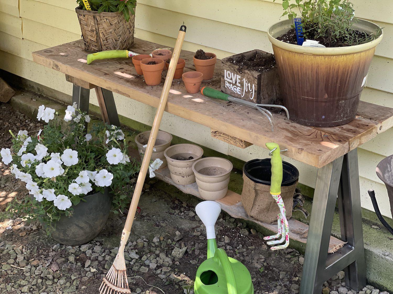 "How to Build an ""Almost Homemade"" Garden Table"